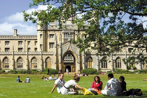 2016年申请英国艺术生留学专业的要求是什么