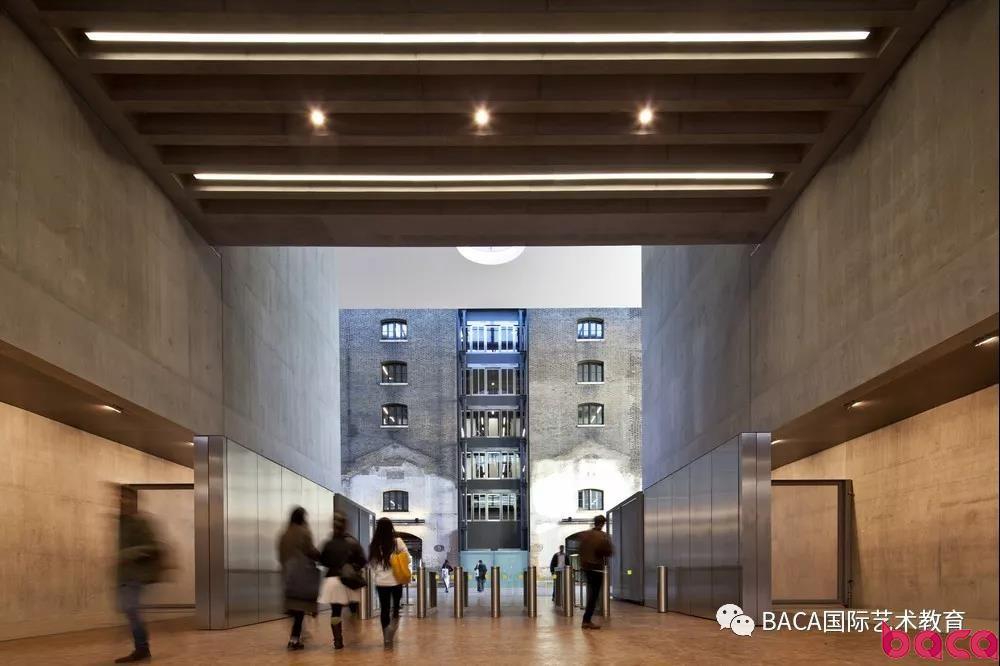 中央圣马丁学院毕业生 伦艺校友介绍 什么是平面媒体设计 BACA艺术预科毕业生采访