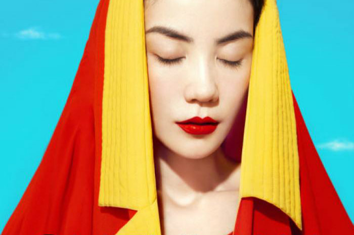 王菲版《我和我的祖国》大热~最会唱歌的时尚Icon菲姐 | BACA资讯